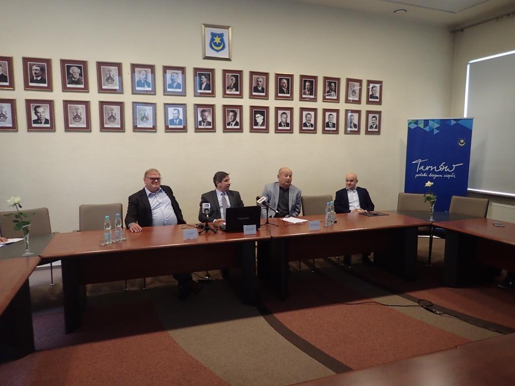 23 sierpnia 2017 roku – konferencja prasowa Prezydenta Tarnowa: prezentacja modelu lokalnego rynku energii